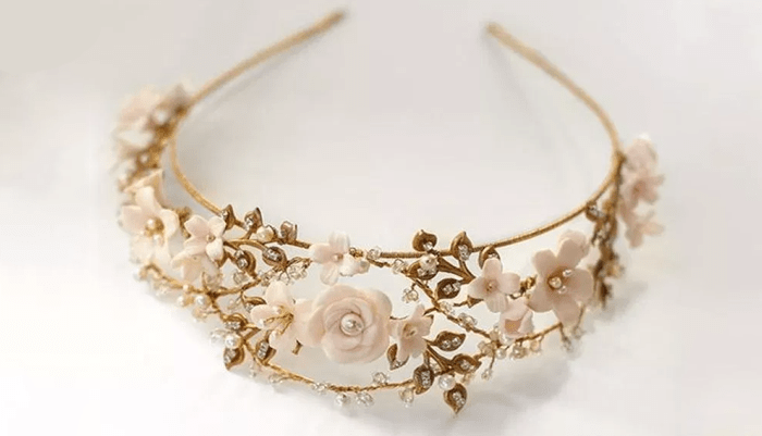 How to choose the right bridal accessories