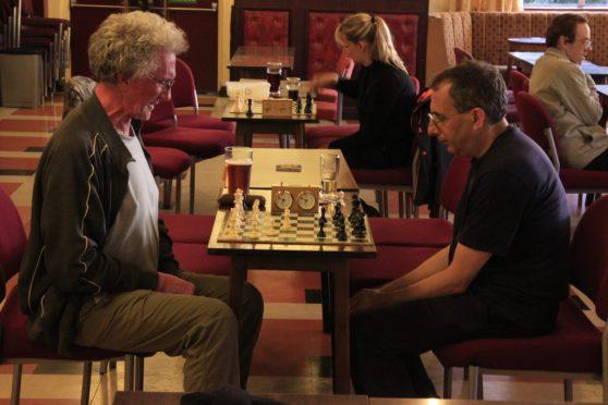 Chess 960 Night