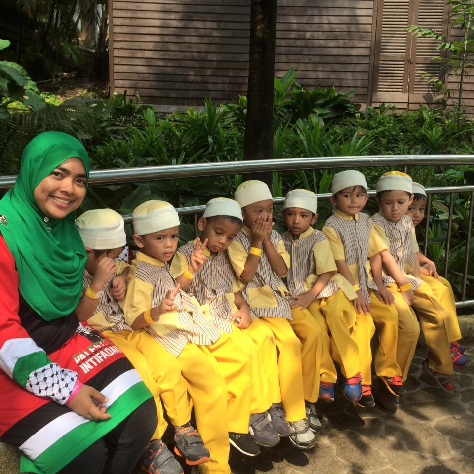 hannah-damia-trip-little-caliph-bird-park-kl
