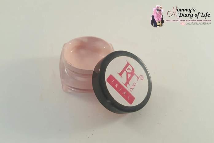 rose-tyara-glow-foundation