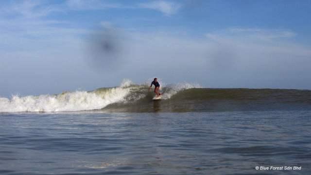 cherating-hotel-dan-5-aktiviti-menarik-di-sekitarnya-blueforestsurf-surfing