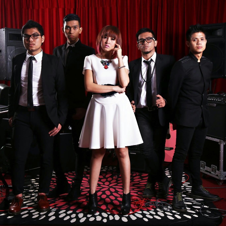 lirik-polaroid-sakura-band