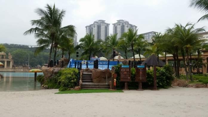 sunway-lagoons-flow-rider-surf-simulator-pertama-di-malaysia