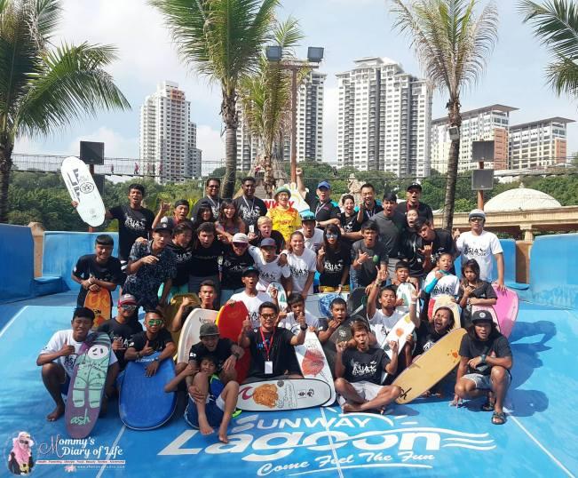 sunway-lagoons-flow-rider-surf-simulator-pertama-di-malaysia-9