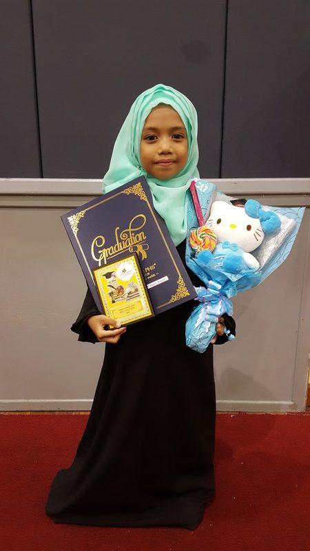 grand-ihtifal-little-caliph-2016-graduation-lil-hannah-damia (25)