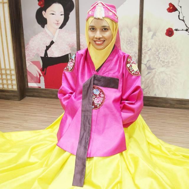 korea trip_day 3_strawberry farm_diy kimchi_hanbok_everland theme park (4)