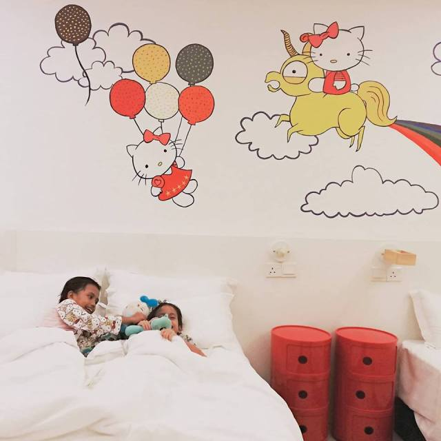 HANNAHDAMIA BIRTHDAY TRIP BILIK TEMA HELLO KITTY DI HOTEL DE ART i-CITY SHAH ALAM (39)