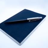 【レビュー】無印良品「上質紙 フラットに開くノート」が出先のアイデア出しにオススメな理由。