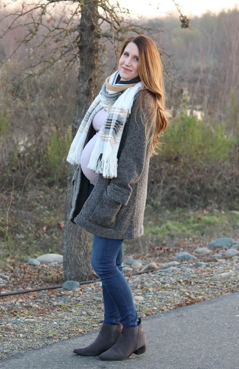 gray coatigan, blush pink tee, plaid scarf, winter style, maternity style