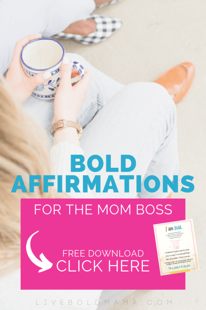 Mom boss confidence: Here's the thing, we all struggle with confidence as a mom boss. We all have those moments of weakness. But how do we get out of it? How do we move forward? Click through to read how I'm doing it.