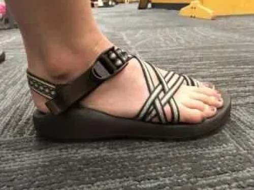 2b07573d84d4e1 How to find your Chaco size and know if you re wearing the wrong size