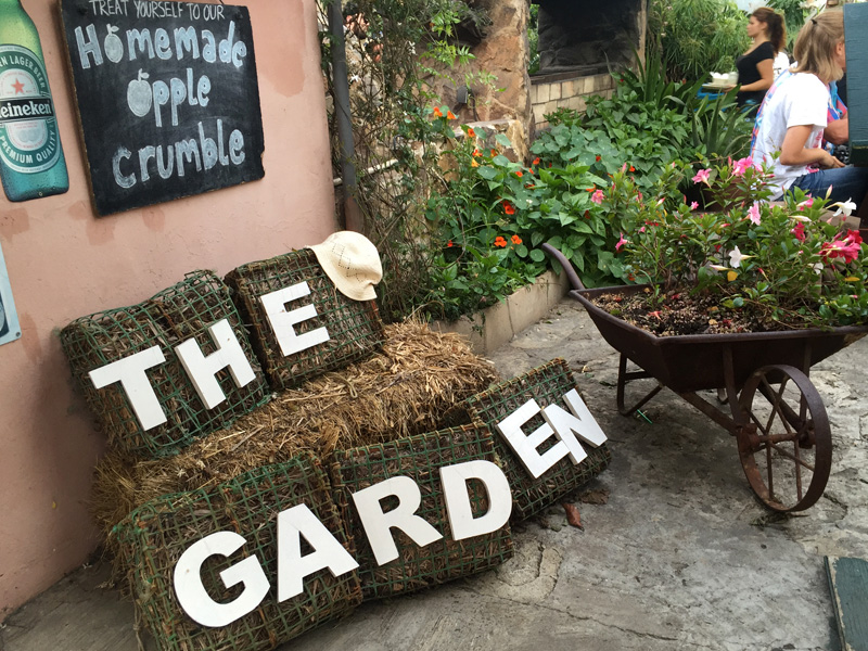 [Travel Diary] Die schönste Bar in Lagos | The Garden