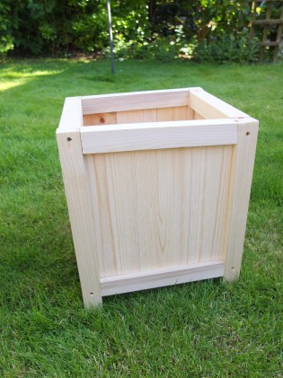 DIY Wooden Planter by Shelley Makes (30)