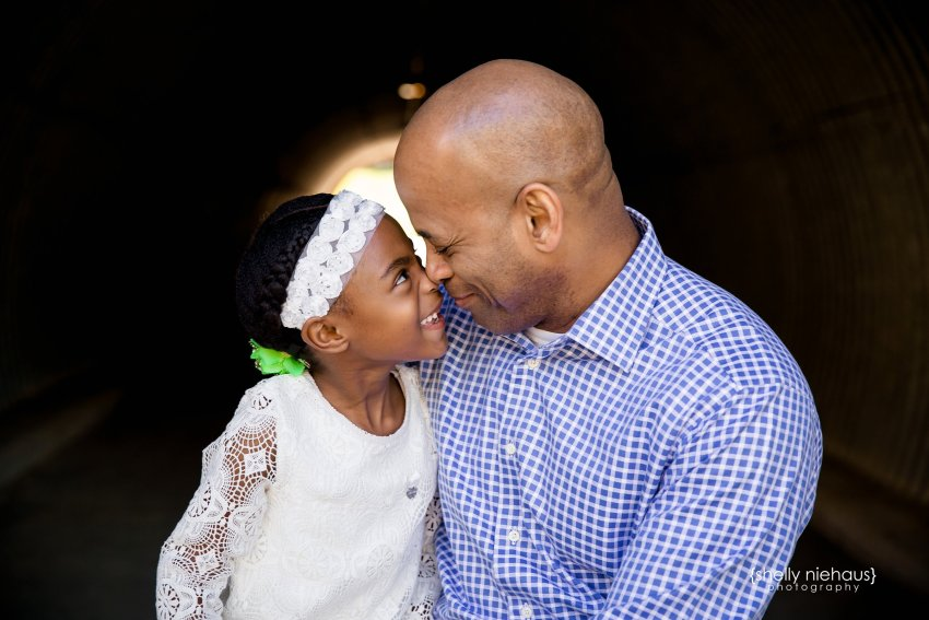daddy and daughter nose kiss - mckinney tx