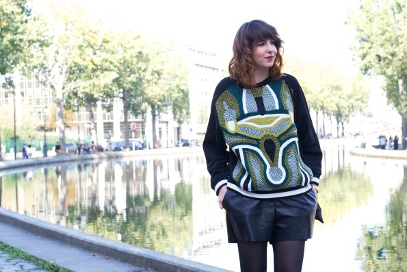 The Librarian Chic, thelibrarianchic, Blog Mode Style Beauté Food. Une aixoise à Paris, une bibliothécaire qui aime la mode. librarian blog, sweat tapisserie, sweat vert, sweat h&m, fashionchick
