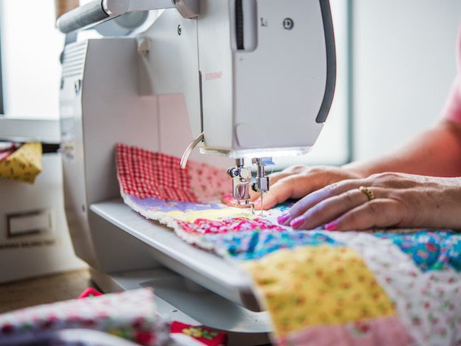 best-sewing-machine-for-quilting-speed
