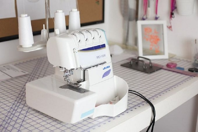 best-serger-with-coverstitch