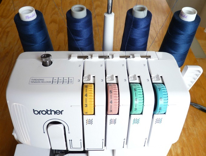 serger-thread-change