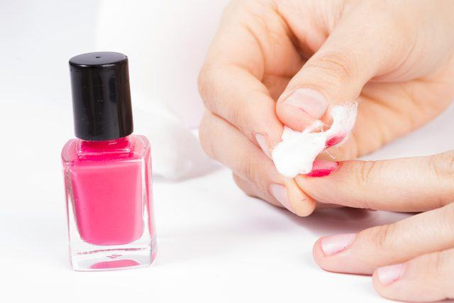 how-to-remove-SNS-nails-without-acetone