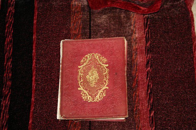 A book discovery brings distant voices of Christmas