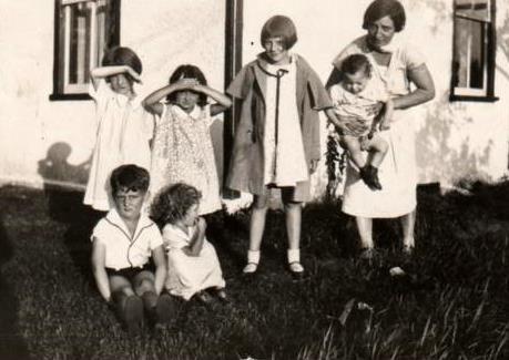 Gramma Moors With Her Children