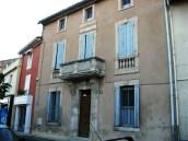 Fontaine-de-Vaucluse shutters