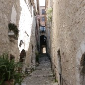 Another arched alley - yes I like them
