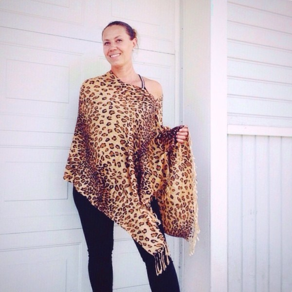 Think you can't pull off wearing animal print? Think again! Oversized thai pashmina poncho in animal print by sherocksabun