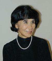 Adeline Yen Mah (1937- )