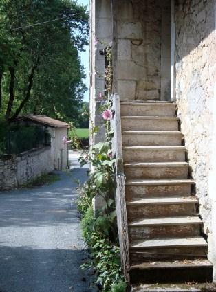 A walk around the village (6)