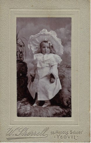 Genealogy in the age of coronavirus, Part 4_Shersca Genealogy_Unknown child_F&L album