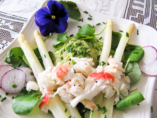 White Asparagus and Crab Salad-