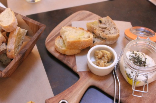 Cucina enoteca, Burrata and roasted garlic confit