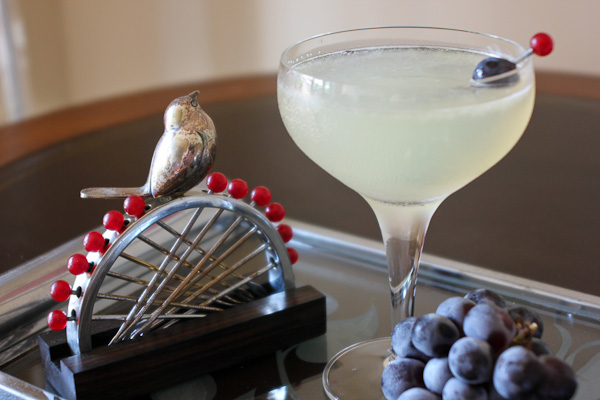 Corpse Reviver 2 cocktail with Art Deco styling