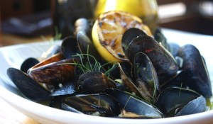 Mussels with lemon and fennel