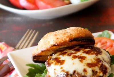 Fig and Smoked Mozzarella Bison Burger for #BurgerMonth