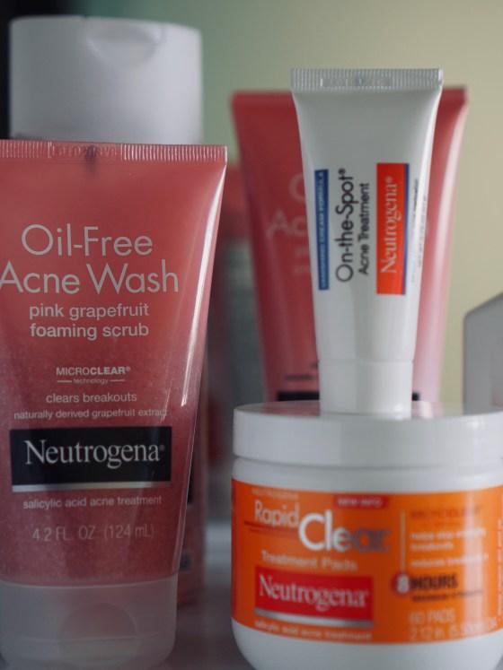 On The Go With Neutrogena | SHESOMAJOR