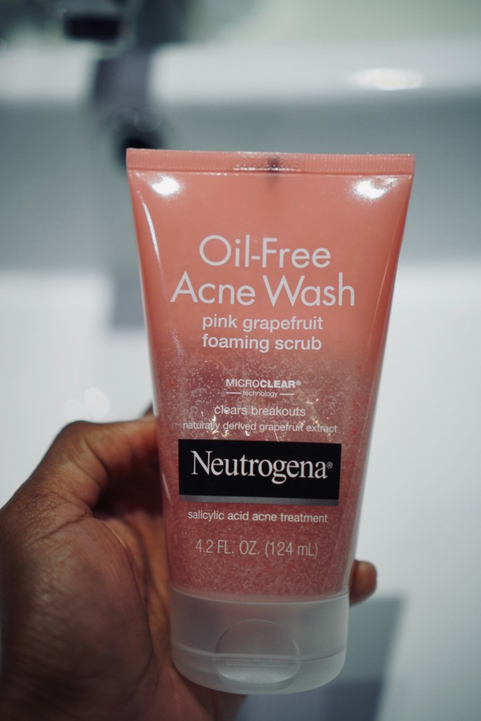 On The Go With Neutrogena | SHESOMAJOR