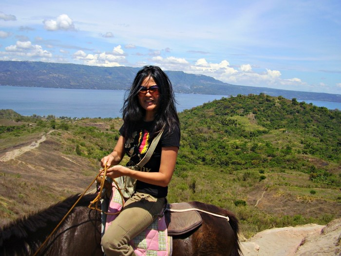 Ride up to Taal Volcano.