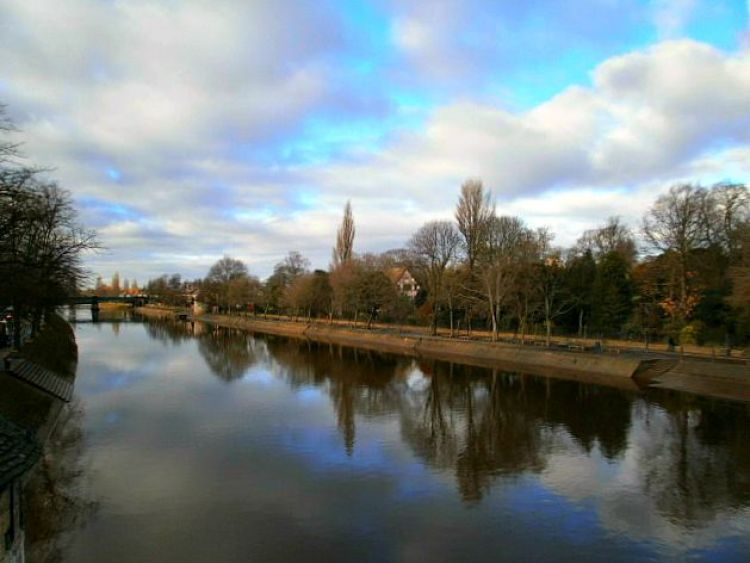 River in York - Mynn's Top 10 Things to do in York - www.shewalkstheworld.com
