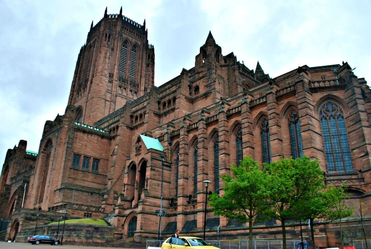 Liverpool Cathedral - My Day in Liverpool - www.shewalkstheworld.com