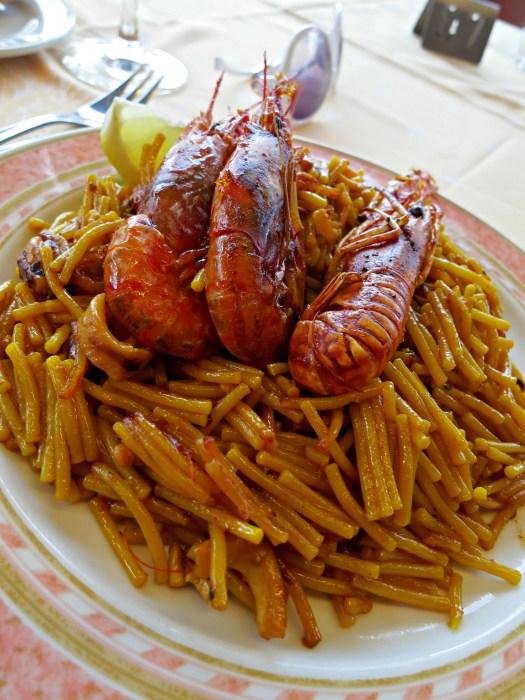 Paella - Two Days in Valencia - www.shewalkstheworld.com