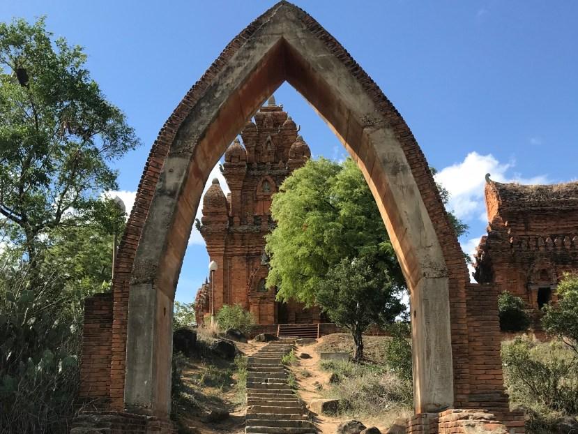 Po Klong Garai Towers