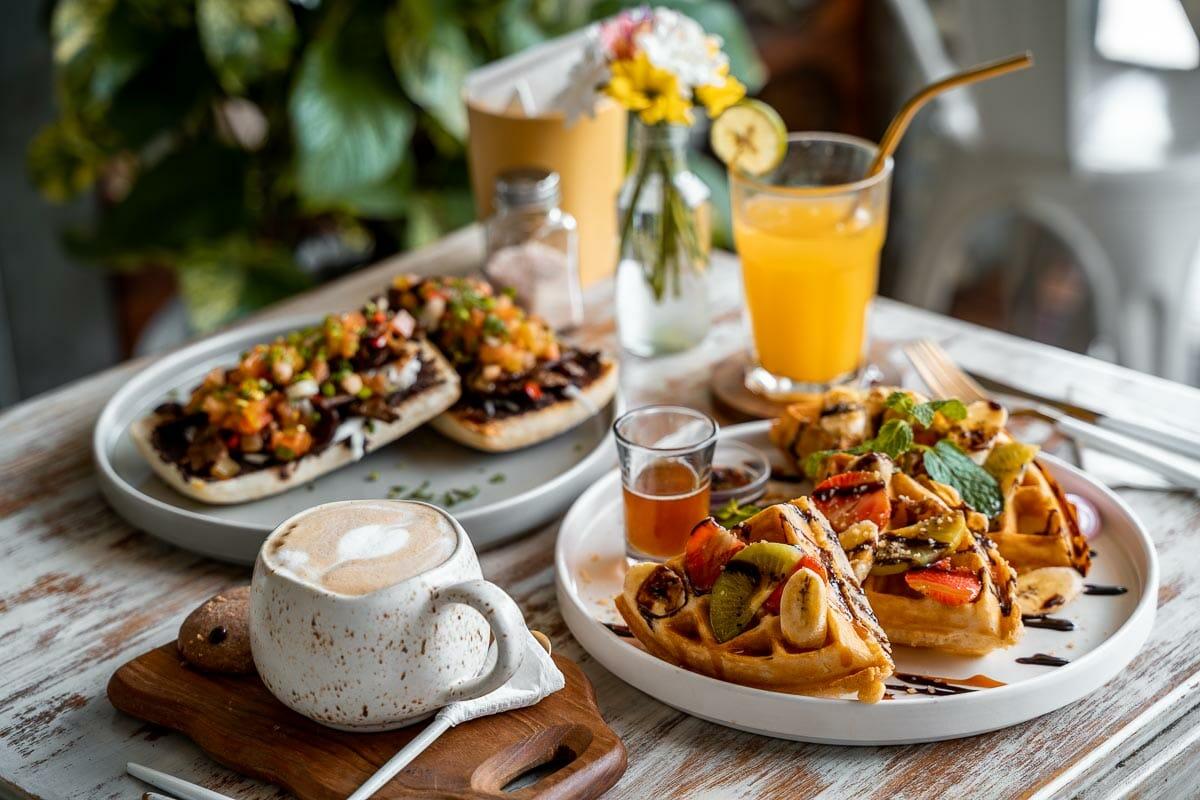 Breakfast at I am Vegan Babe in Canggu, Bali