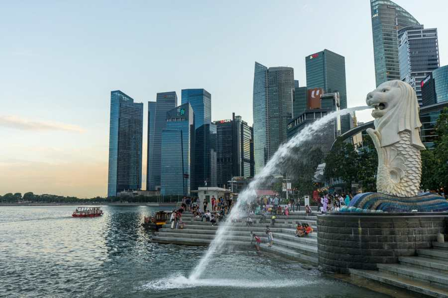 Merlion and Singapore Skyline view