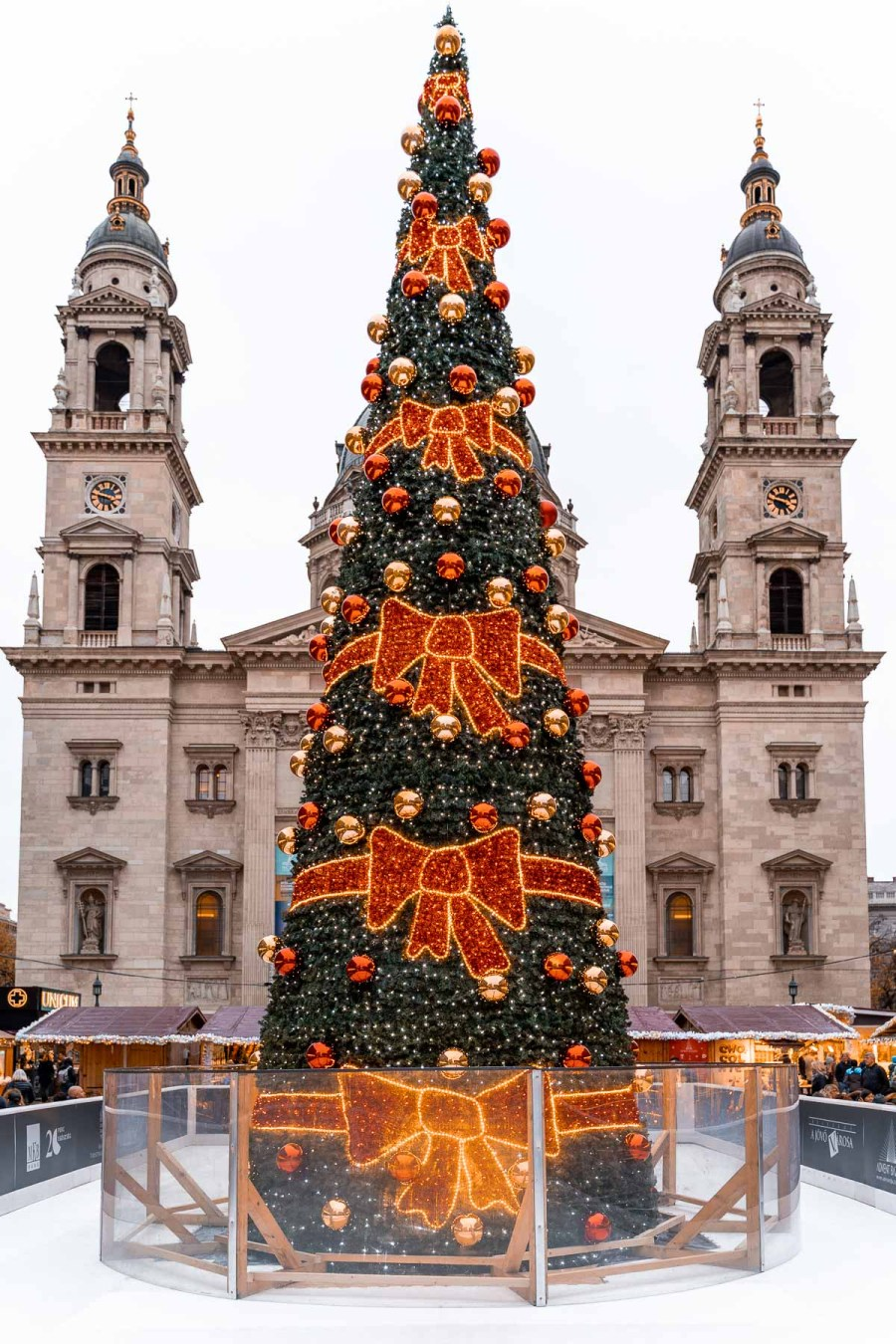 Christmas tree in front of St. Stephen's Basilica in Budapest