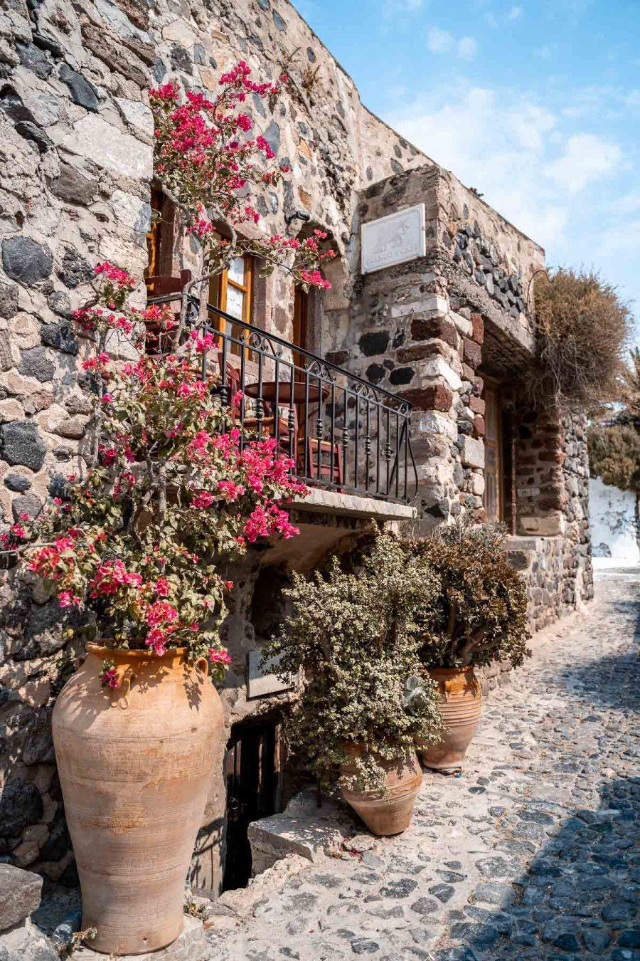 Cute little cafe in Pyrgos, Santorini