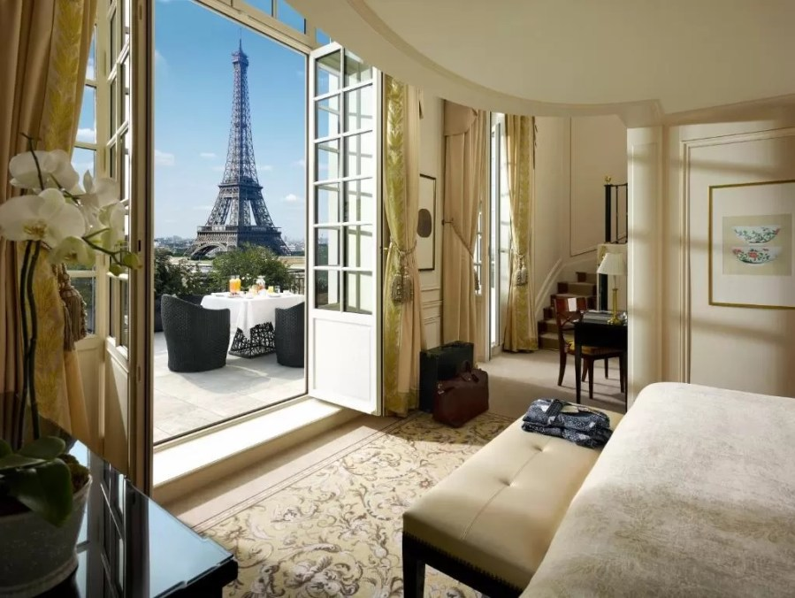 Beautiful suite at Shangri-La Paris, one of the best hotels with Eiffel Tower view