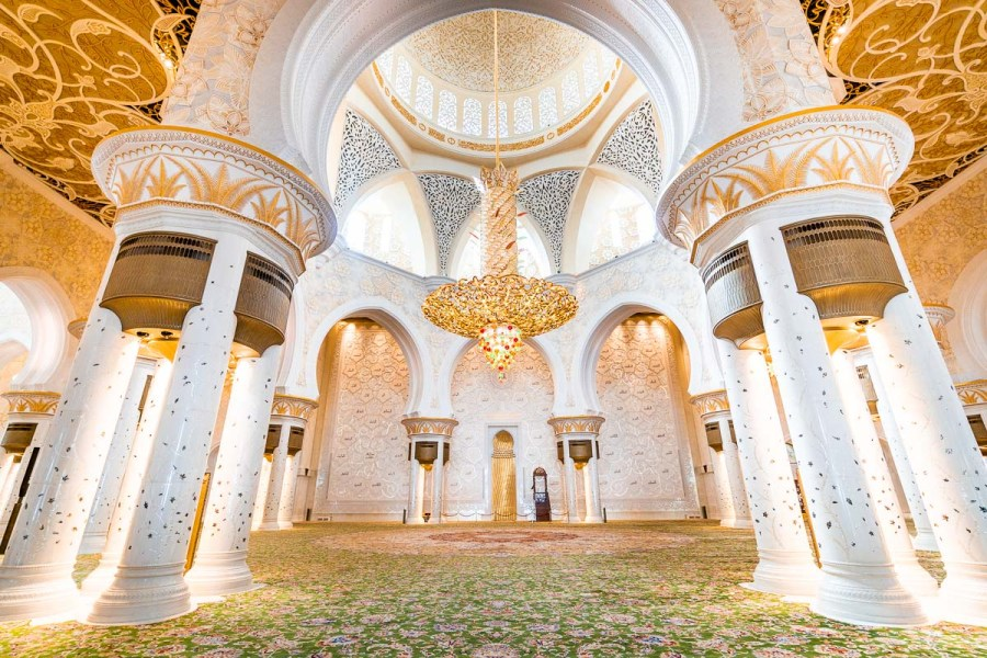 Beautiful interior at the Sheikh Zayed Mosque in Abu Dhabi