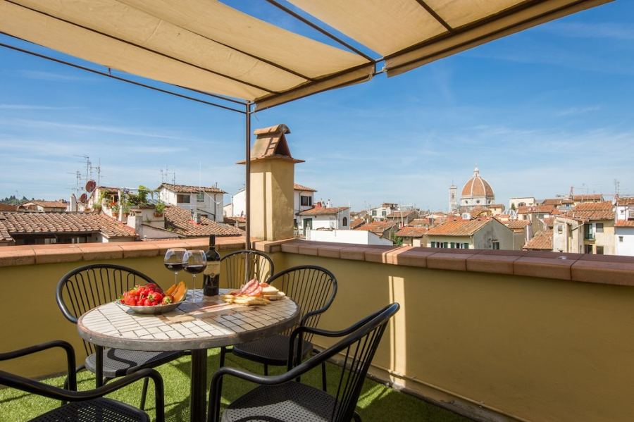 Lovely flat in Florence city center with terrace and Duomo view